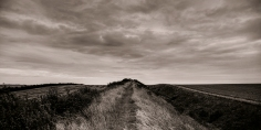 black & white landscape photograph of Devil's Dyke Cambridgeshire @petercorr.com