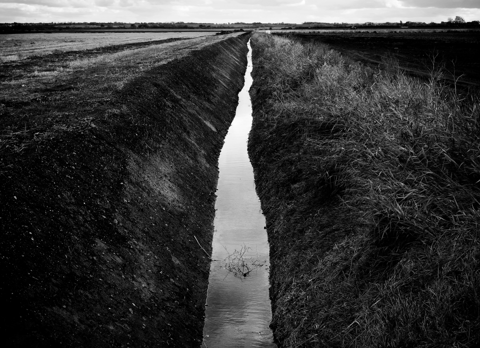 black and white landscape photograph Cambridgeshire Fenland @petercorr.com