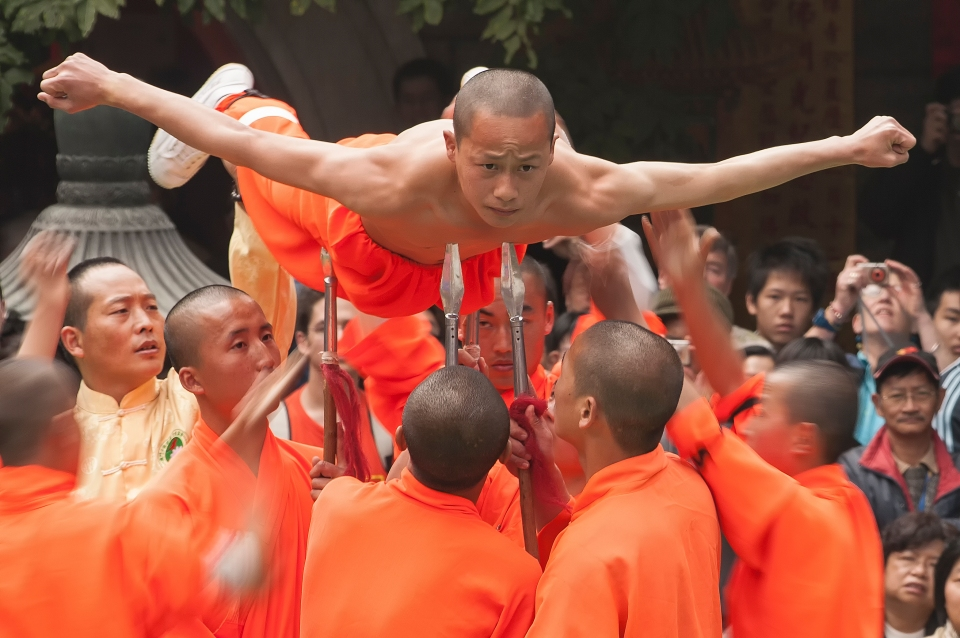 Shaolin Buddhist Monks, buddhism, martial arts, physical endurance